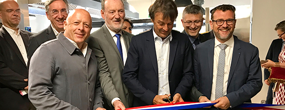 Nicolas Hulot présent à l'ouverture de la nouvelle école Cuisine Mode d'Emploi(s)